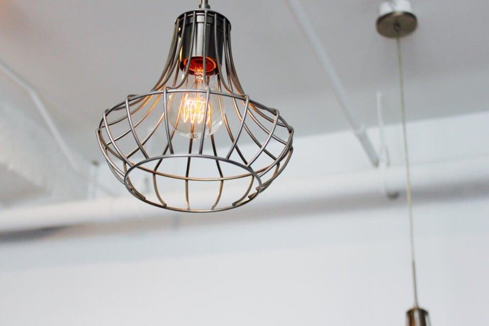 A light fixture at a Columbus Building apartment